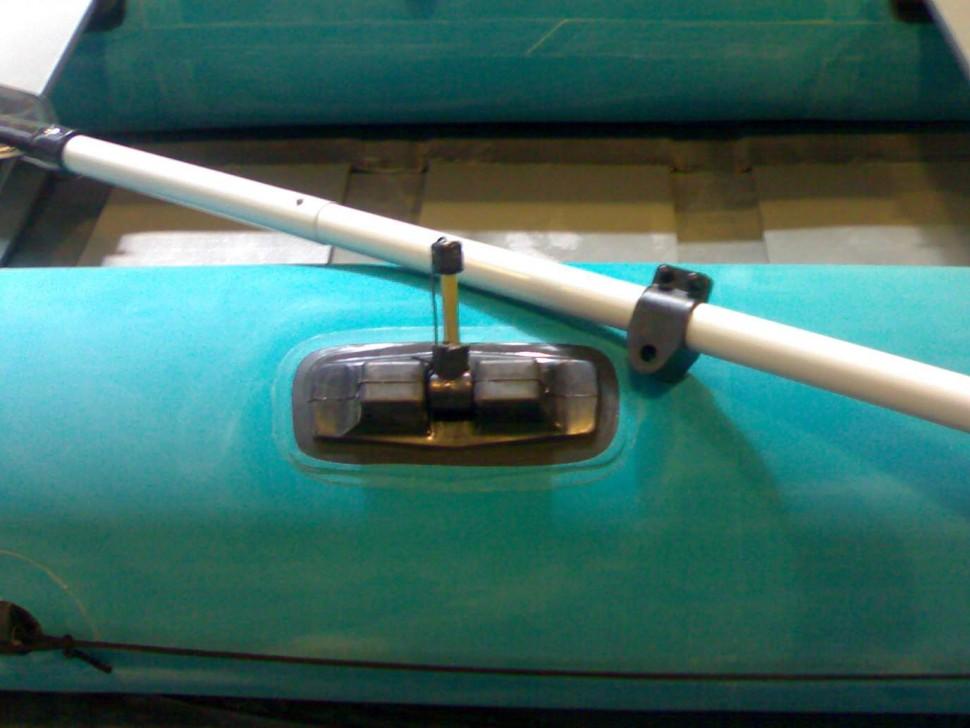 чем клеить уключины для резиновой лодки